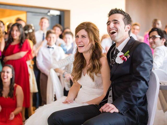 La boda de Zuhaitz y Marah en Santurtzi, Vizcaya 33