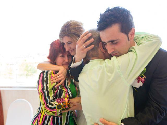 La boda de Zuhaitz y Marah en Santurtzi, Vizcaya 37