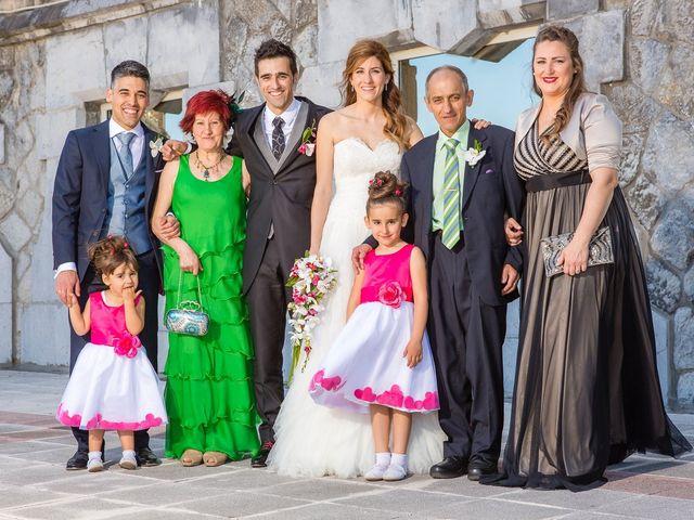 La boda de Zuhaitz y Marah en Santurtzi, Vizcaya 48