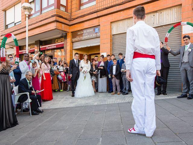 La boda de Zuhaitz y Marah en Santurtzi, Vizcaya 50
