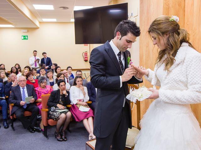 La boda de Zuhaitz y Marah en Santurtzi, Vizcaya 54
