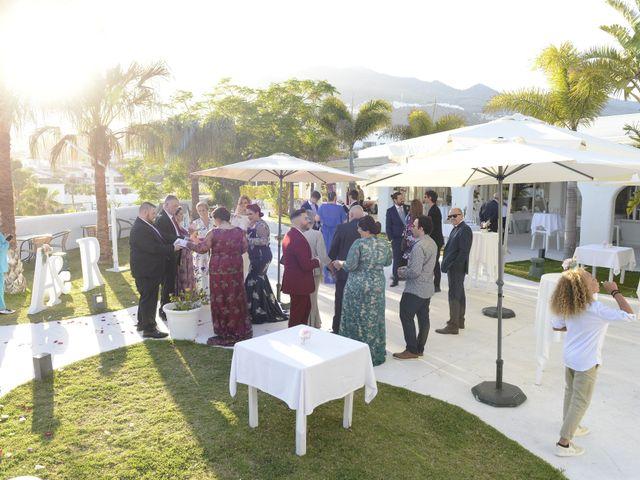 La boda de Roberto y Agueda en Benalmadena Costa, Málaga 18