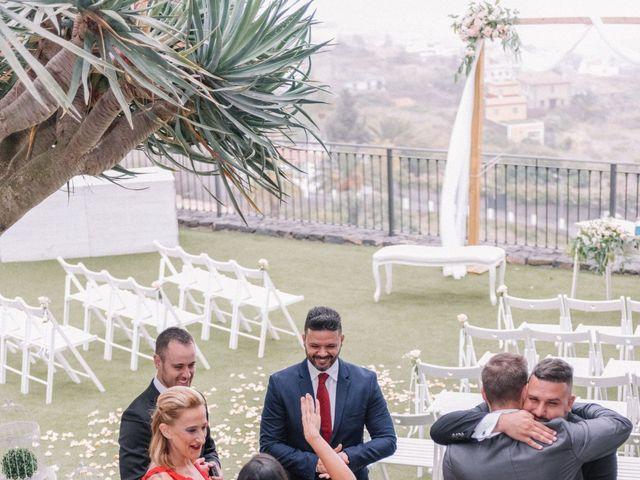 La boda de Héctor y Estela en La Victoria De Acentejo, Santa Cruz de Tenerife 19