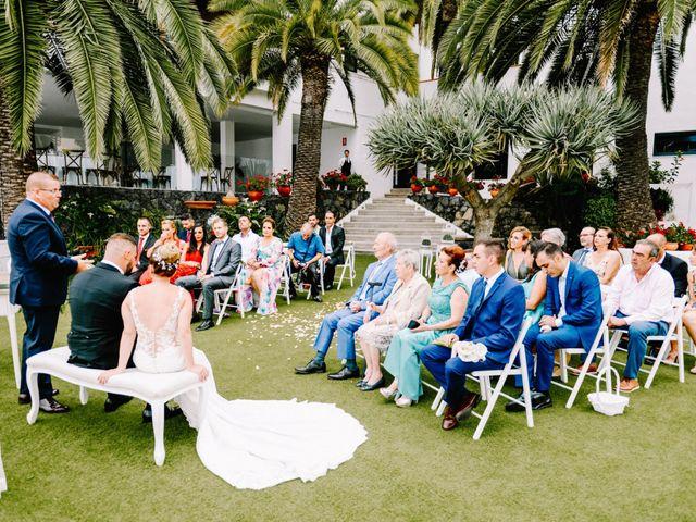 La boda de Héctor y Estela en La Victoria De Acentejo, Santa Cruz de Tenerife 29
