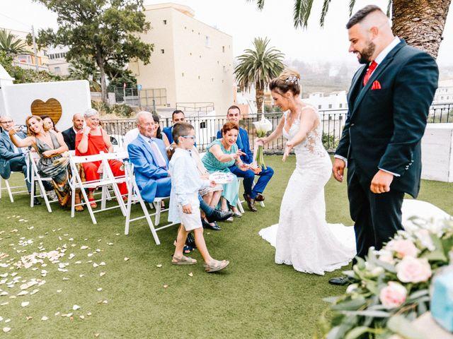 La boda de Héctor y Estela en La Victoria De Acentejo, Santa Cruz de Tenerife 39