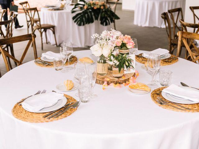 La boda de Héctor y Estela en La Victoria De Acentejo, Santa Cruz de Tenerife 61