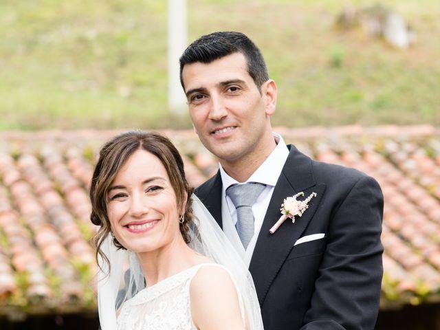 La boda de Javier y Silvia en Gijón, Asturias 25