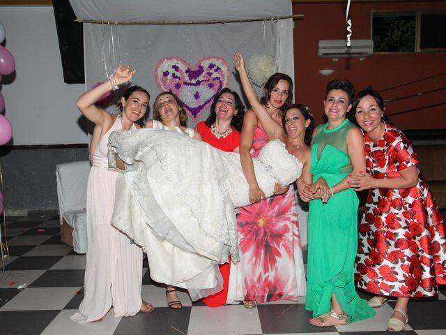 La boda de Raúl y Maria en Nuñomoral, Cáceres 38