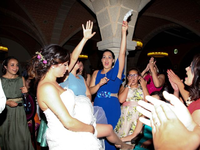 La boda de Raúl y Maria en Nuñomoral, Cáceres 44