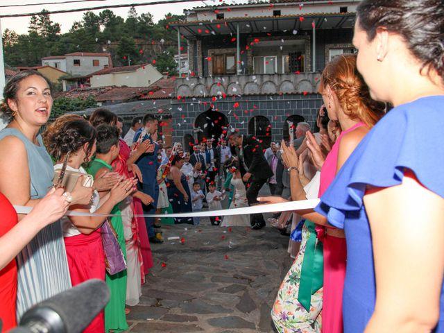 La boda de Raúl y Maria en Nuñomoral, Cáceres 46
