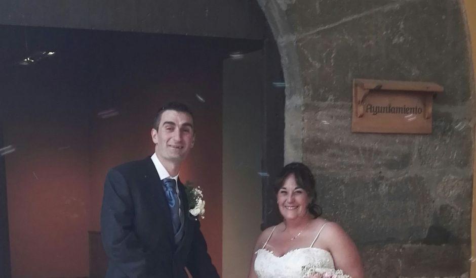 La boda de Sergio y Elena en Mirambel, Teruel