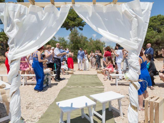 La boda de Adrià y Jennifer en L' Ampolla, Tarragona 10
