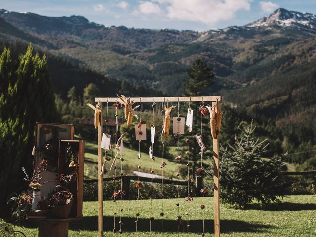 La boda de Edorta  y Noelia  en Zeanuri, Vizcaya 1