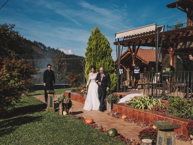La boda de Edorta  y Noelia  en Zeanuri, Vizcaya 17