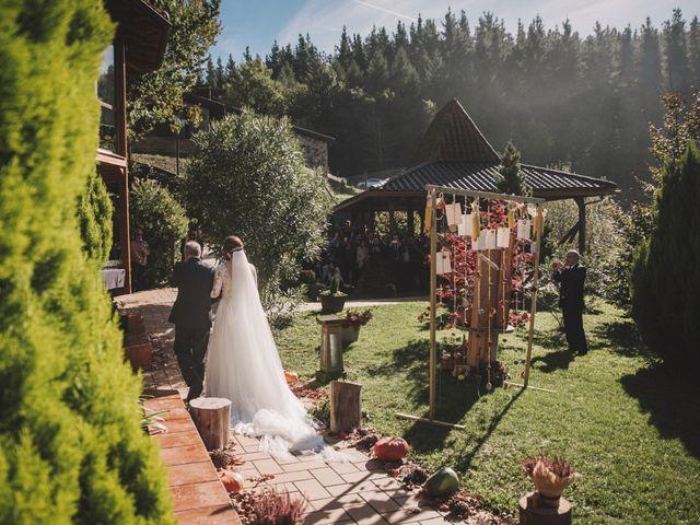 La boda de Edorta  y Noelia  en Zeanuri, Vizcaya 18