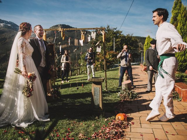 La boda de Edorta  y Noelia  en Zeanuri, Vizcaya 20