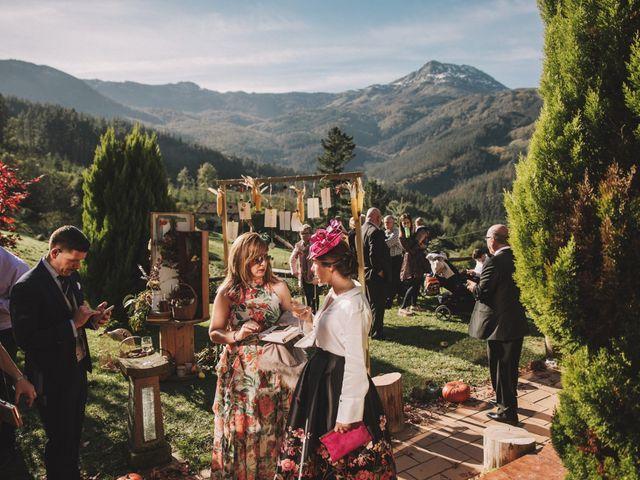 La boda de Edorta  y Noelia  en Zeanuri, Vizcaya 24