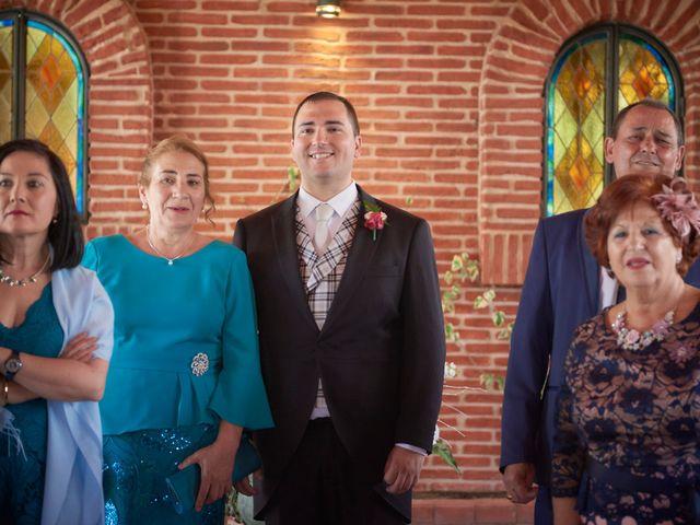 La boda de Ismael y Raquel en Alcalá De Henares, Madrid 14