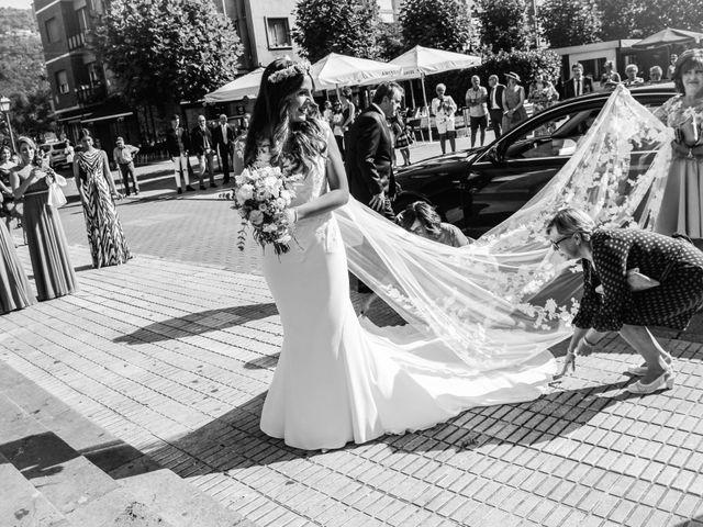 La boda de Raúl y Alba en Pruvia (Llanera), Asturias 4
