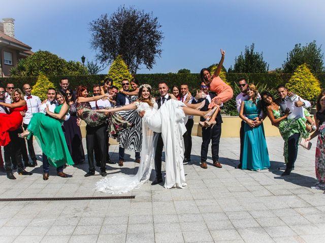 La boda de Raúl y Alba en Pruvia (Llanera), Asturias 26