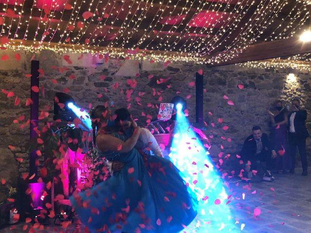 La boda de Oscar y Jennifer en Santiago De Compostela, A Coruña 2