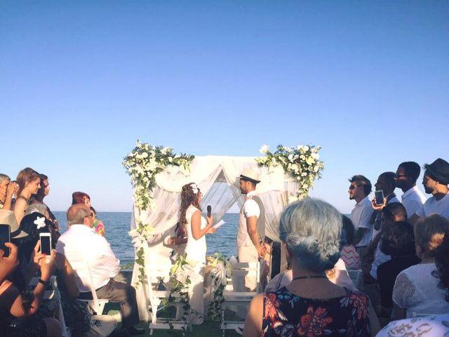 La boda de Bruno y Laura en Torre Del Mar, Málaga 6
