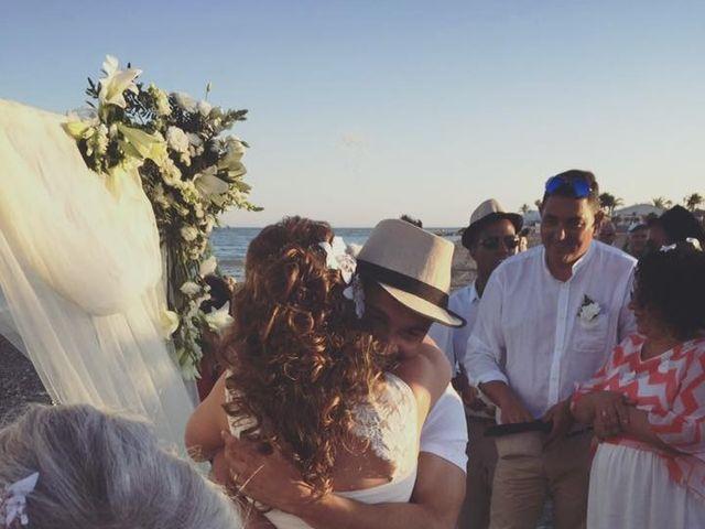La boda de Bruno y Laura en Torre Del Mar, Málaga 15