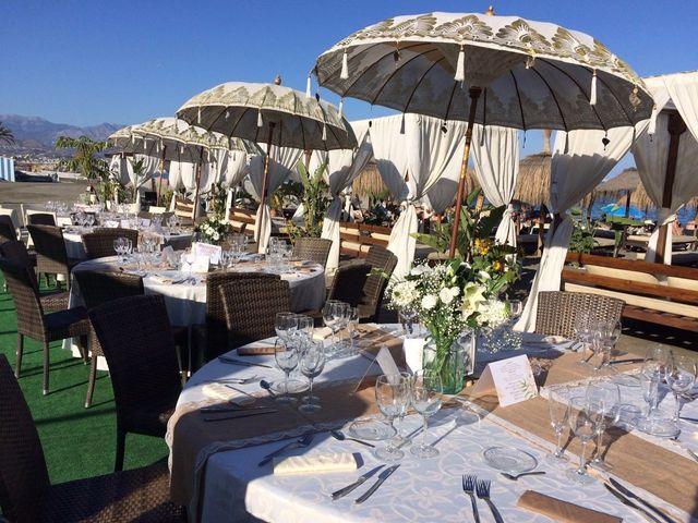 La boda de Bruno y Laura en Torre Del Mar, Málaga 19