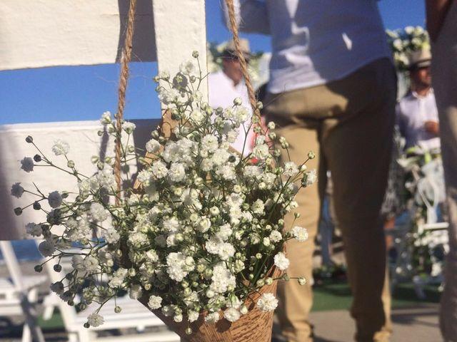 La boda de Bruno y Laura en Torre Del Mar, Málaga 23
