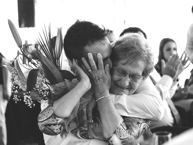 La boda de Toni y Laia en Muntanyola, Barcelona 53