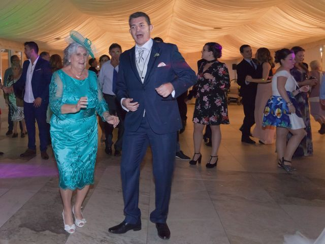 La boda de Carlos y Eva en Burgos, Burgos 27