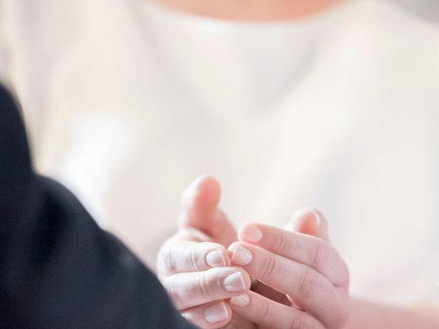 La boda de Carlos y Lorena en Santiago De Compostela, A Coruña 25