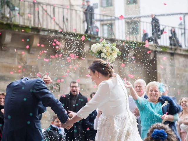 La boda de Carlos y Lorena en Santiago De Compostela, A Coruña 40