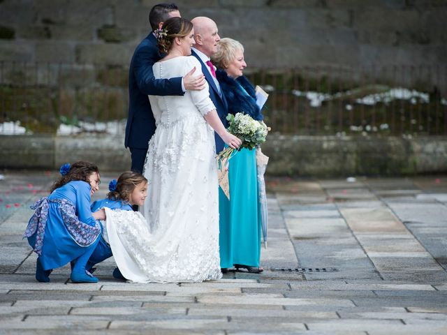 La boda de Carlos y Lorena en Santiago De Compostela, A Coruña 42