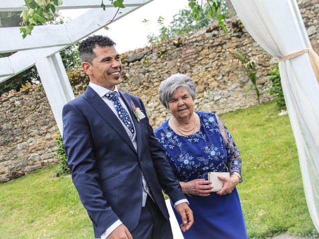 La boda de Faus y Laura en Pruvia (Llanera), Asturias 18