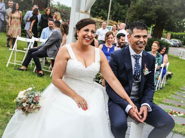 La boda de Faus y Laura en Pruvia (Llanera), Asturias 22