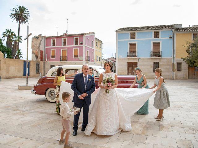 La boda de Nacho y Victoria en Alacant/alicante, Alicante 15