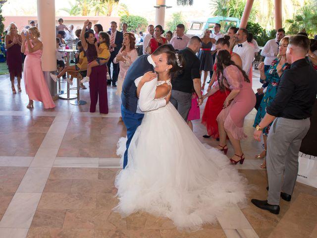 La boda de Jessica y Carlos en Alhaurin De La Torre, Málaga 40