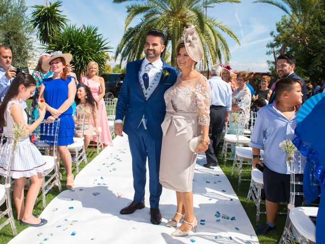 La boda de Jessica y Carlos en Alhaurin De La Torre, Málaga 16