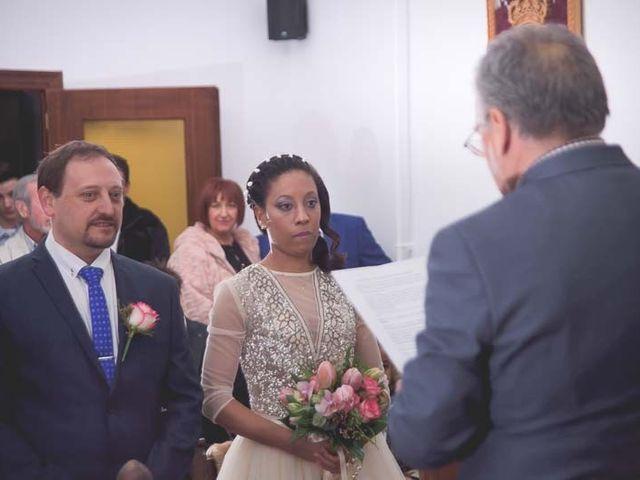 La boda de Raúl y Sandra en Toreno, León 16