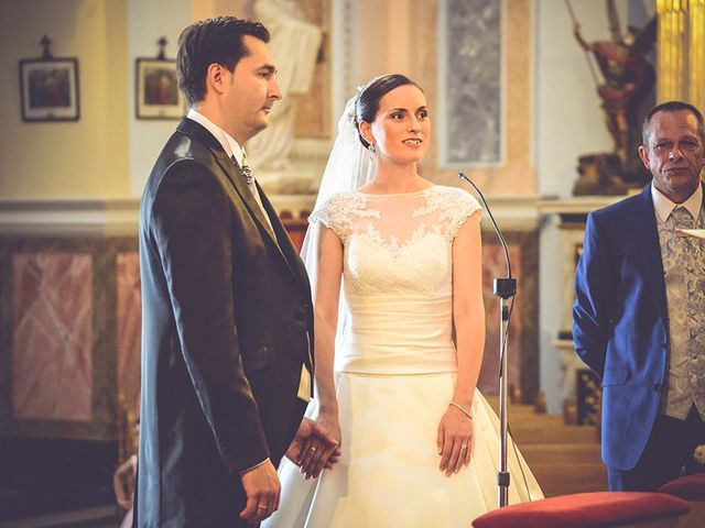 La boda de Miguel y Emma en Vilamarxant, Valencia 23