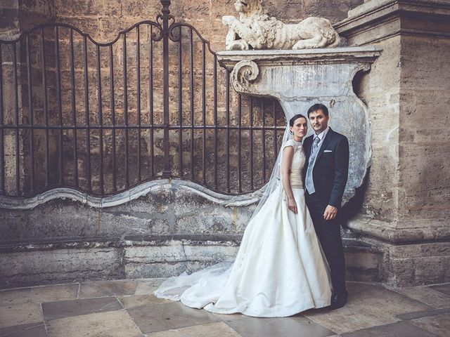 La boda de Miguel y Emma en Vilamarxant, Valencia 42
