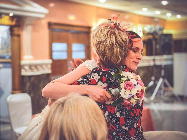 La boda de Miguel y Emma en Beniparrell, Valencia 73