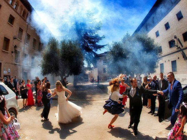 La boda de Pablo y Izabela en Barbastro, Huesca 13