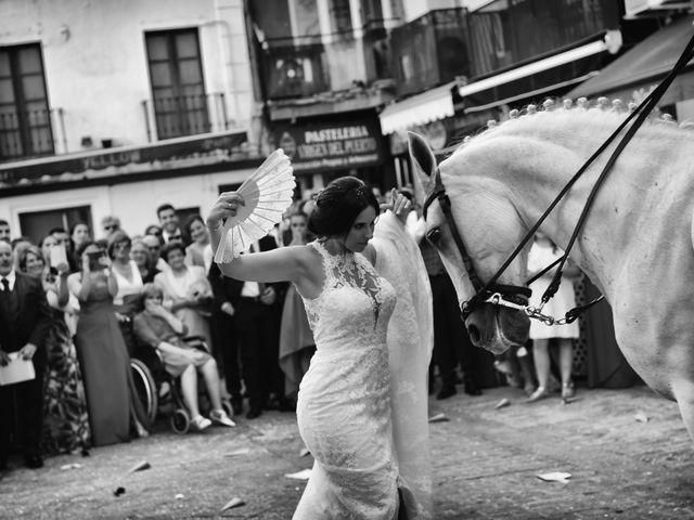 La boda de Juan Carlos y Elena en Plasencia, Cáceres 55