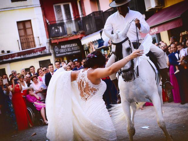 La boda de Juan Carlos y Elena en Plasencia, Cáceres 60