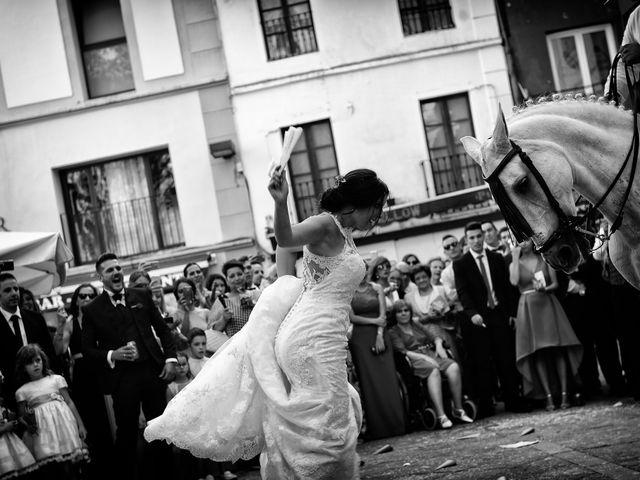 La boda de Juan Carlos y Elena en Plasencia, Cáceres 63