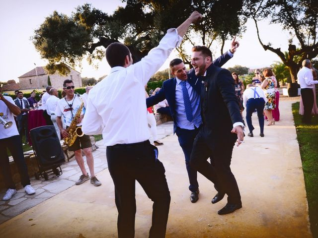 La boda de Juan Carlos y Elena en Plasencia, Cáceres 72