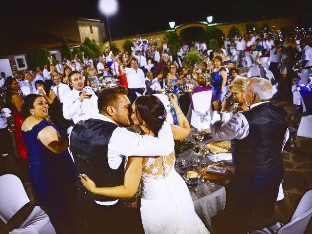 La boda de Juan Carlos y Elena en Plasencia, Cáceres 81