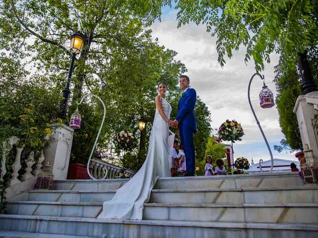 La boda de Carlos y Elena en Espartinas, Sevilla 35